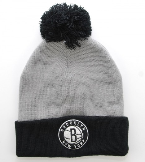 MITCHELL & NESS Bonnet Pompon BROOKLYN NETS Gris - Noir Secondary Cuff NBA