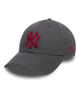 Casquette Incurvée New Era New York Yankees Gris Charbon Rouge 940