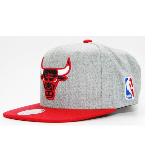 MITCHELL & NESS Snapback BULLS Gris / Rouge Team Pop